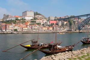 oporto, the port in Portugal where the Elsie Burdette took on a load of salt.